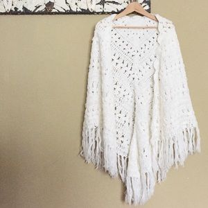 Sweaters - 🕯Host Pick!🕯Vintage Fringe Shawl